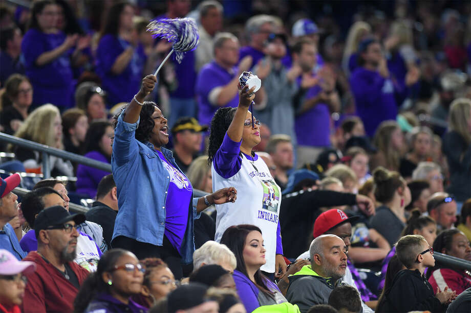 Port Neches-Groves' fans during the Indian's play-off game against Texas City at NRG Stadium Friday. Photo taken Friday, November 24, 2017 Guiseppe Barranco/The Enterprise Photo: Guiseppe Barranco, Photo Editor / Guiseppe Barranco ©