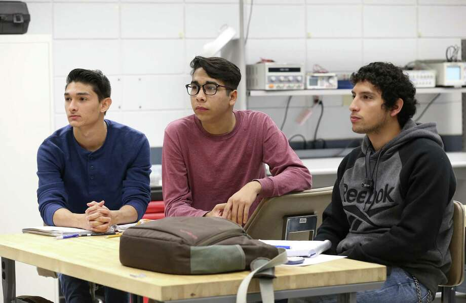 Becalos program students from left, Horacio Villarreal, 19, of Monterrey, Mexico, Francisco Aguilar, 19, of Sonora, Mexico and Ruben Calderon, 19, of Durango, Mexico, take an applied electrical/mechanical technology class at St. Philip's College, Monday, Oct. 30, 2017. Students from Mexican universities are taking classes at St. Philip's College through the federal SEP-Becalos Santander Universidades Exchange Program that is set up to increase the student mobility between the United States and other Western Hemisphere countries. Photo: JERRY LARA / San Antonio Express-News / San Antonio Express-News