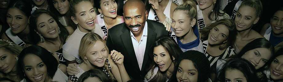 66TH MISS UNIVERSE®: Steve Harvey returns as host on the 66TH MISS UNIVERSE® airing Live from The AXIS at Planet Hollywood Resort & Casino in Las Vegas, NV, on Sunday, Nov. 26 (7:00-10:00 PM ET live/PT tape-delayed) on FOX. Pictured: Steve Harvey. CR: FOX. © 2017 FOX BRoadcasting. / © 2017 FOX BRoadcasting