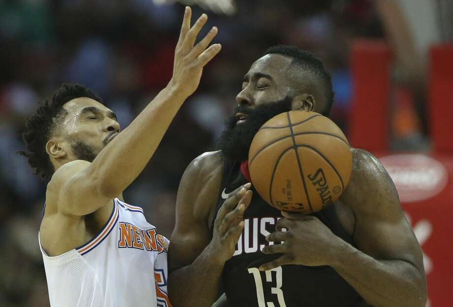 New York Knicks guard Courtney Lee (5) tries to strip the ball from Houston Rockets guard James Harden (13) during the third quarter of a NBA game at Toyota Center on Saturday, Nov. 25, 2017, in Houston.  ( Yi-Chin Lee / Houston Chronicle ) Photo: Yi-Chin Lee/Houston Chronicle