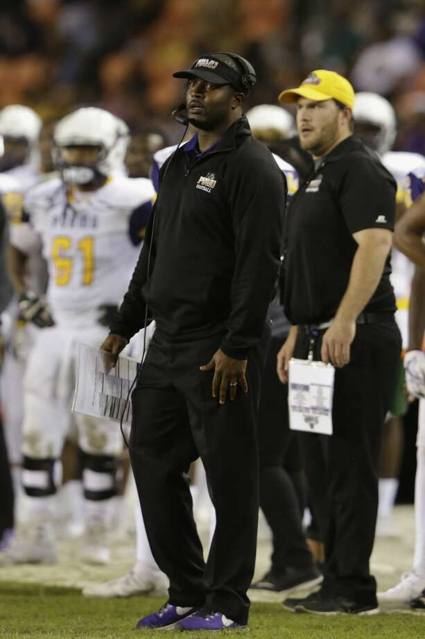 Prairie View A&M Panthers head coach Willie Simmons reacts on the sideline in the second half during the NCAA football game between the Prairie View A&M Panthers and the Texas Southern Tigers at BBVA Compass Stadium in Houston, TX on Saturday, November 25, 2017.  The Panthers defeated the Tigers 30-16. Photo: Tim Warner/For The Chronicle