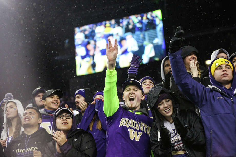 Check out oddsmakers predictions for college football's title contenders in 2018, when Washington fans should have a lot to cheer about. Photo: GRANT HINDSLEY, SEATTLEPI.COM / SEATTLEPI.COM