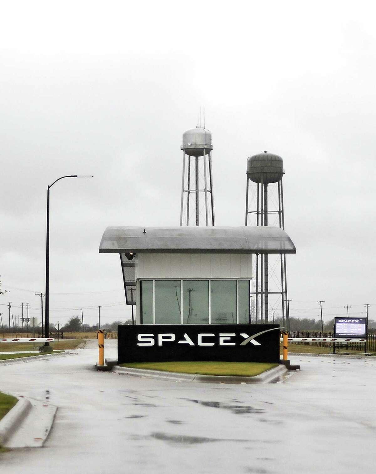 As the commercial space industry assumes a larger role in the evolving national space race, one of its top private companies is finding military veterans an integral part of its workforce. At the SpaceX test facility in McGregor, a third of more than 550 full-timers have military backgrounds. Employees say they are used to mission-driven tasks.
