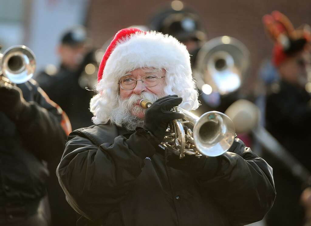 The Connecticut Alumni Drum and Bugle Corps performs in the 46th Annual Seymour Christmas Parade on Main Street in Seymour, Conn. on Sunday, November 26, 2017. Photo: Brian A. Pounds / Hearst Connecticut Media / Connecticut Post
