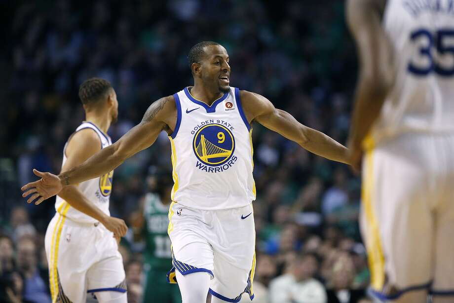 Kevin Durant, Stephen Curry to sit, Andre Iguodala 'doubtful' vs. Kings