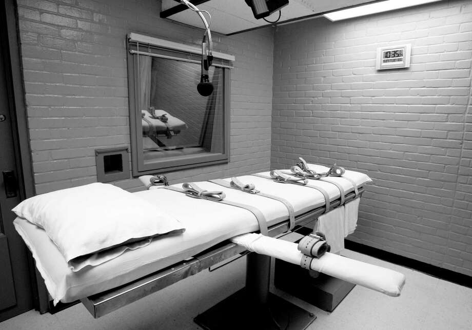 The gurney in Huntsville, Texas, where Texas' condemned are strapped down to receive a lethal dose of drugs is shown.>>The longest serving death row inmates in Texas  Photo: Pat Sullivan, STF / AP
