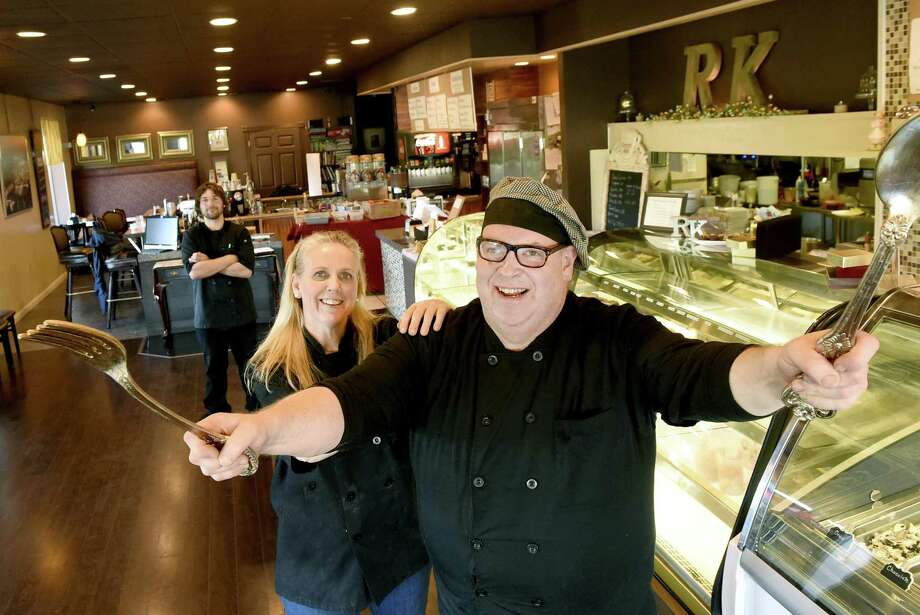 Chef Diana Staley, left, and her brother, Chef Paul Staley, owner of Reverie Kitchen of Branford with Nick Floria, crew member, rear. Photo: Peter Hvizdak / Hearst Connecticut Media / New Haven Register