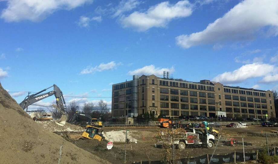 cvs construction underway on stamford u2019s west side