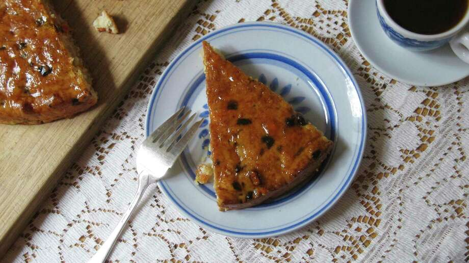 Apricot Almond Coffee Cake features a cream biscuit dough with dried apricots, almond paste and glazed with apricot jam. Photo: Sara Moulton, UGC / Sara Moulton
