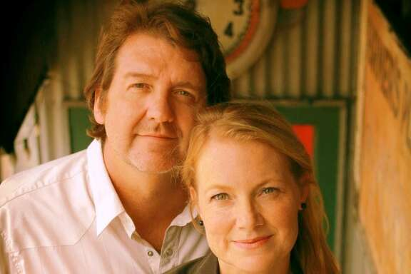 Bruce Robison and Kelly Willis bring their Holiday Shindig to Gruene Hall on Saturday.