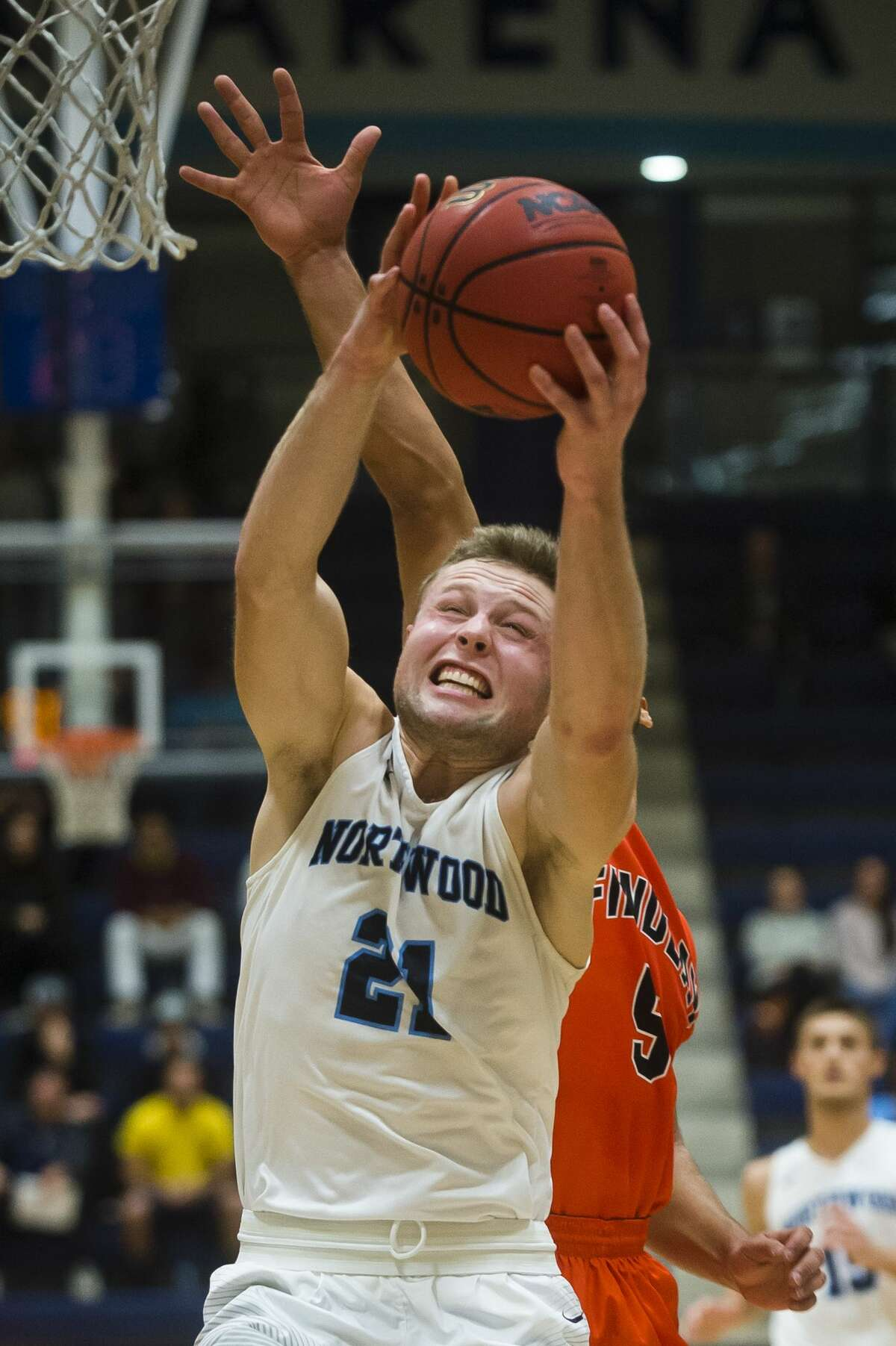 Northwood junior Zach Allread takes a shot during the Timberwolves' game against Findlay on Monday, Nov. 27, 2017 at Northwood University. (Katy Kildee/kkildee@mdn.net)