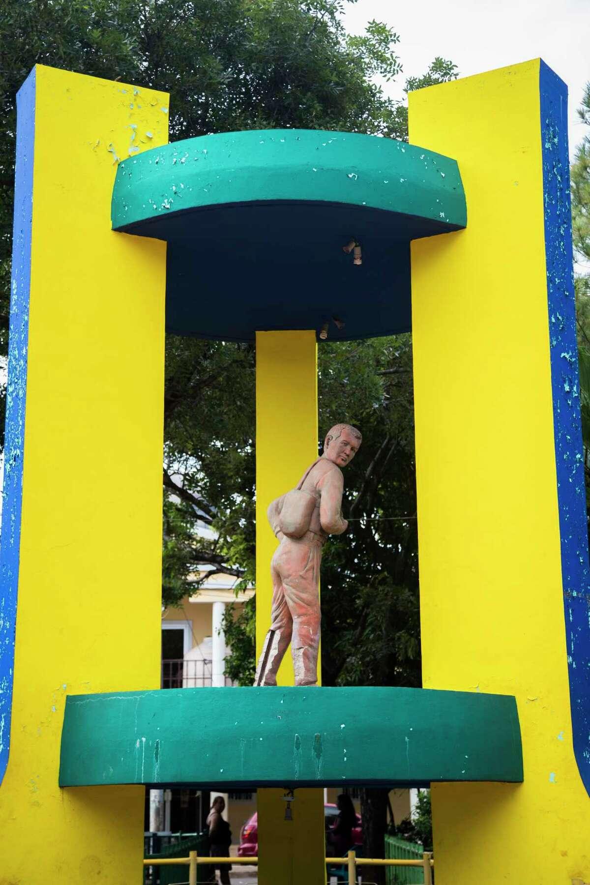 The statue of Sigfredo Ché¡vez in IntipucaÂ?'s migrantÂ?'s park, Wednesday, Sept. 27, 2017, in Intipuca, El Salvador. ( Marie D. De Jesus / Houston Chronicle )
