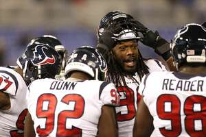 Houston Texans outside linebacker Jadeveon Clowney (90) during warm ups before an NFL football game at M & T Bank Stadium on Monday, Nov. 27, 2017, in Baltimore. ( Brett Coomer / Houston Chronicle )