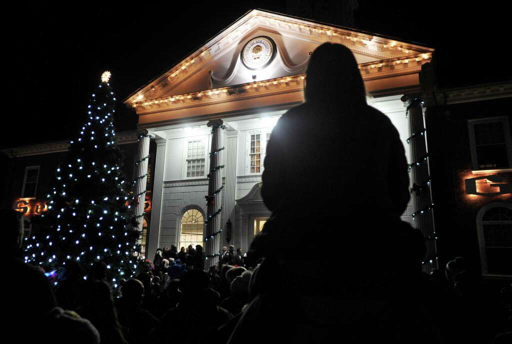 Hundreds gather in front of Town Hall for the Town of Stratfordu0027s Holiday Lighting Festival in & Holiday Lighting Festival kicks off in Stratford - Connecticut Post azcodes.com