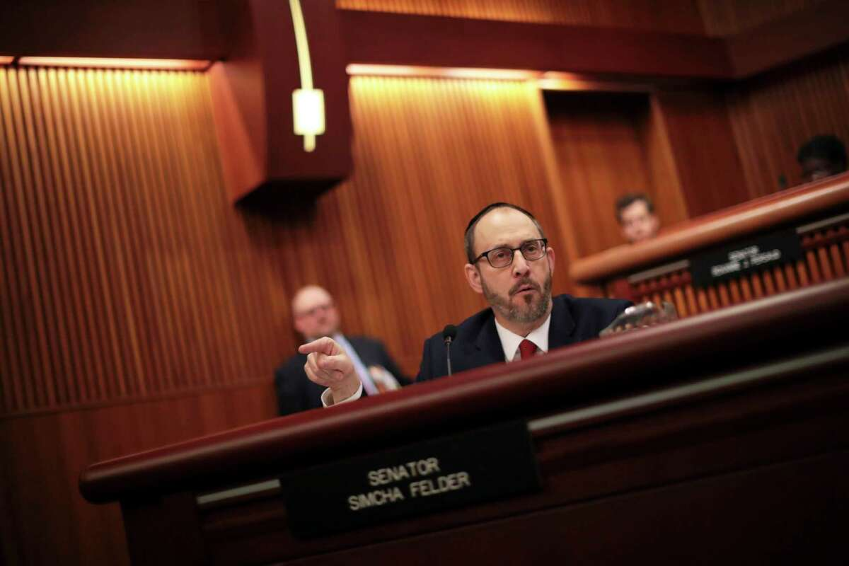 FILE - N.Y. State Sen. Simcha Felder during a budget hearing in Albany, Jan. 30, 2017. (Nathaniel Brooks/The New York Times)