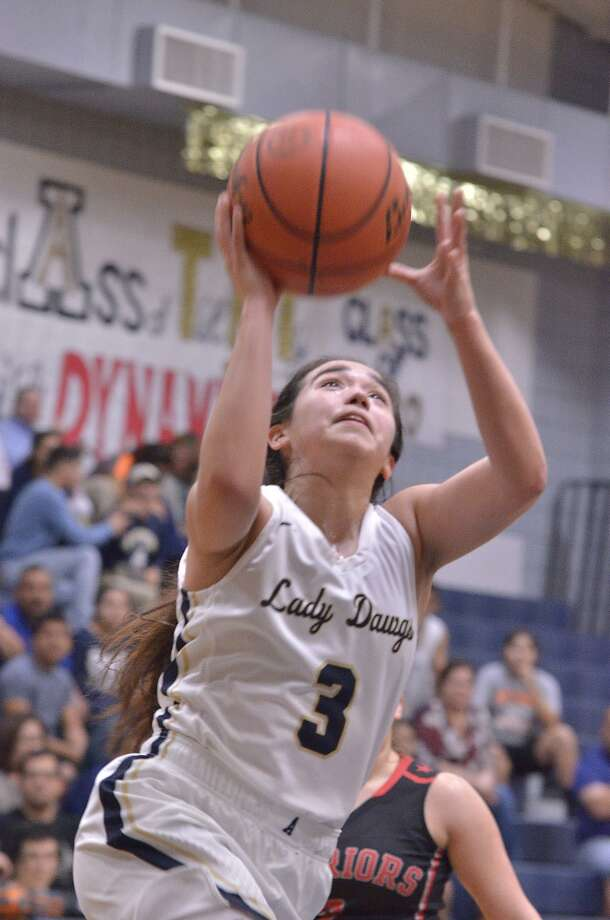 Valerie Lopez and Alexander open their title defense on the road Tuesday with a 7:30 p.m. game at Eagle Pass. Photo: Cuate Santos /Laredo Morning Times File / Laredo Morning Times