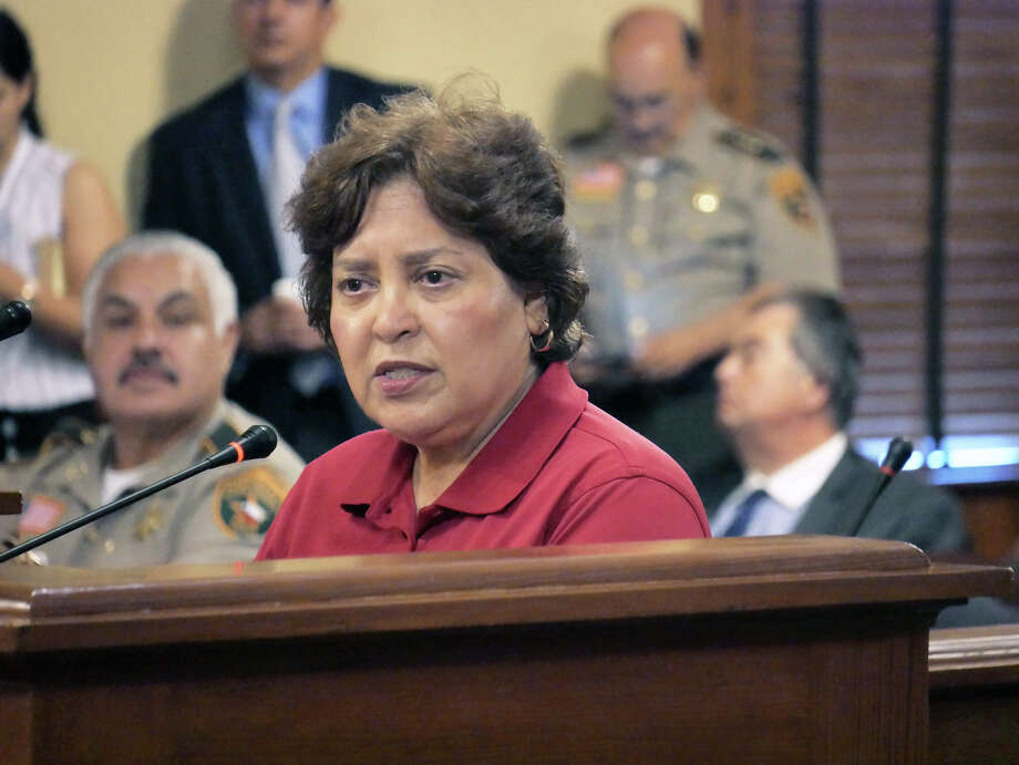 Former Webb County Tax Collector/Assessor Patricia Barrera addressed the Commissioners Court Monday, November 27, 2017, to formally announce her resignation which was accepted by the Court. Norma C. Farabough was appointed as interim Tax Assessor/Collector by Webb County Commissioners. Photo: Cuate Santos/Laredo Morning Times