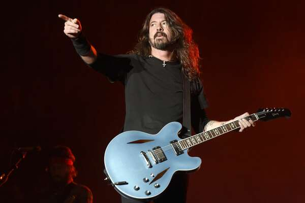 NEW ORLEANS, LA - OCTOBER 28:  Dave Grohl of Foo Fighters performs during the 2017 Voodoo Music + Arts Experience at City Park on October 28, 2017 in New Orleans, Louisiana.  (Photo by Tim Mosenfelder/Getty Images)