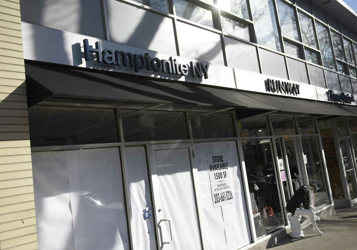 Hamptonite NY - 83 Greenwich Ave. Closed November 2017 Lasting less than two years on Greenwich Avenue, resort-style clothing retailer Hamptonite NY closed. In 2016, the brand launched three shops in Fairfield County around the same time in Greenwich, New Canaan and Westport. Read more.