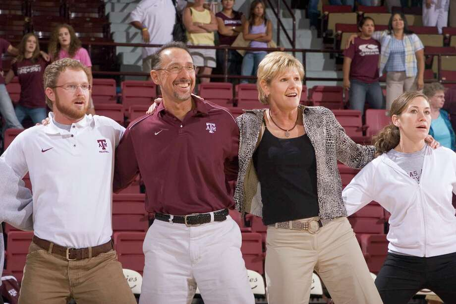 Texas A&M Volleyball coach Laurie Corbelli and husband John (middle two) . Photo: GLEN JOHNSON, TEXAS A&M SPORTS / Texas A&M University