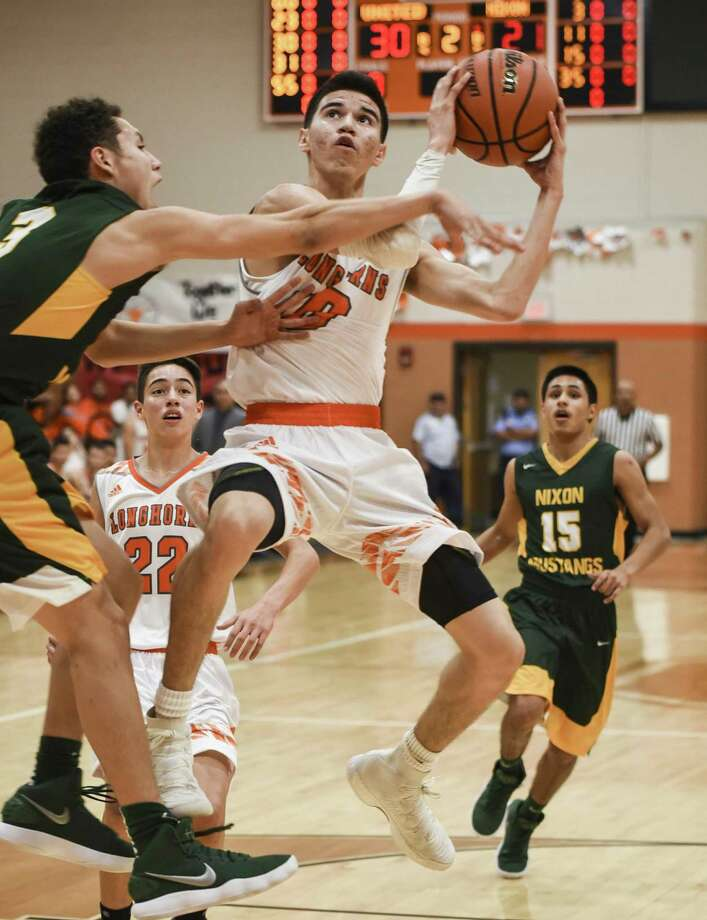 Sammy Esparza scored a game-high 22 points Tuesday in United's 79-55 win at home over Nixon. Photo: Danny Zaragoza /Laredo Morning Times