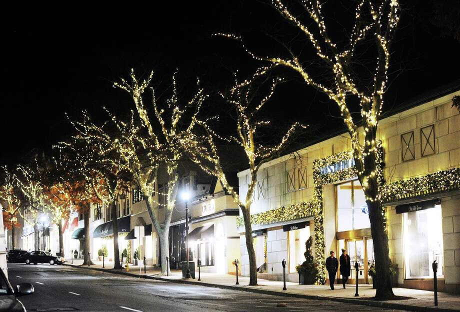 Tree Lights On University Avenue Are >> Greenwich Avenue Holiday Lights In Doubt After Green And Clean Vote