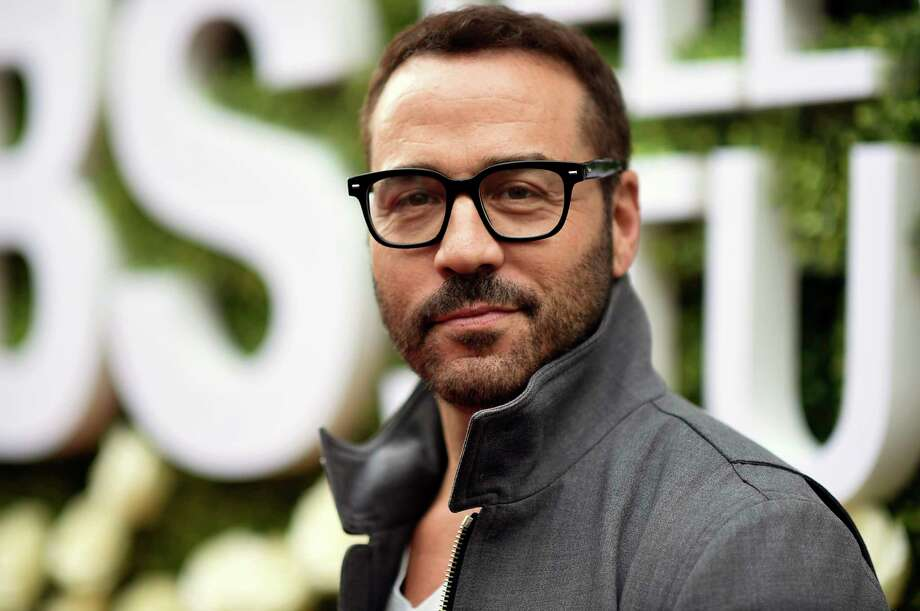 """CBS is investigating a sexual harassment allegation against Jeremy Piven. Actress and reality star Ariane Bellamar claimed in posts on her Twitter account that the Emmy-winning """"Entourage"""" star groped her on two occasions. Photo: Richard Shotwell, Richard Shotwell/Invision/AP / 2017 Invision"""