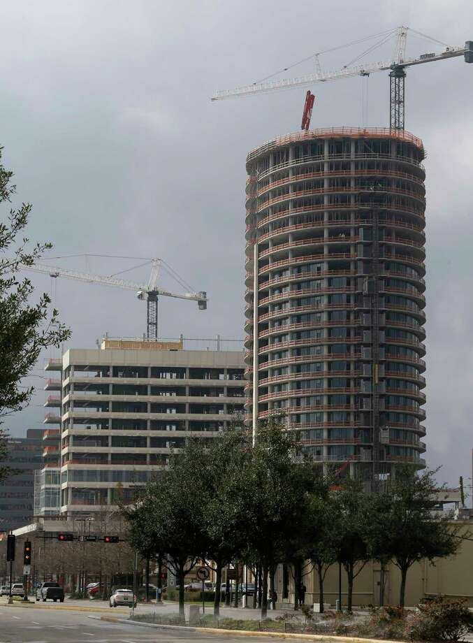 Construction of the Kirby Collection, 3200 Kirby Drive, is shown Thursday, Feb. 2, 2017, in Houston. The project includes a 25-story luxury residential tower and 13-story Class-A office building. ( Melissa Phillip / Houston Chronicle ) Photo: Melissa Phillip, Staff / © 2017 Houston Chronicle