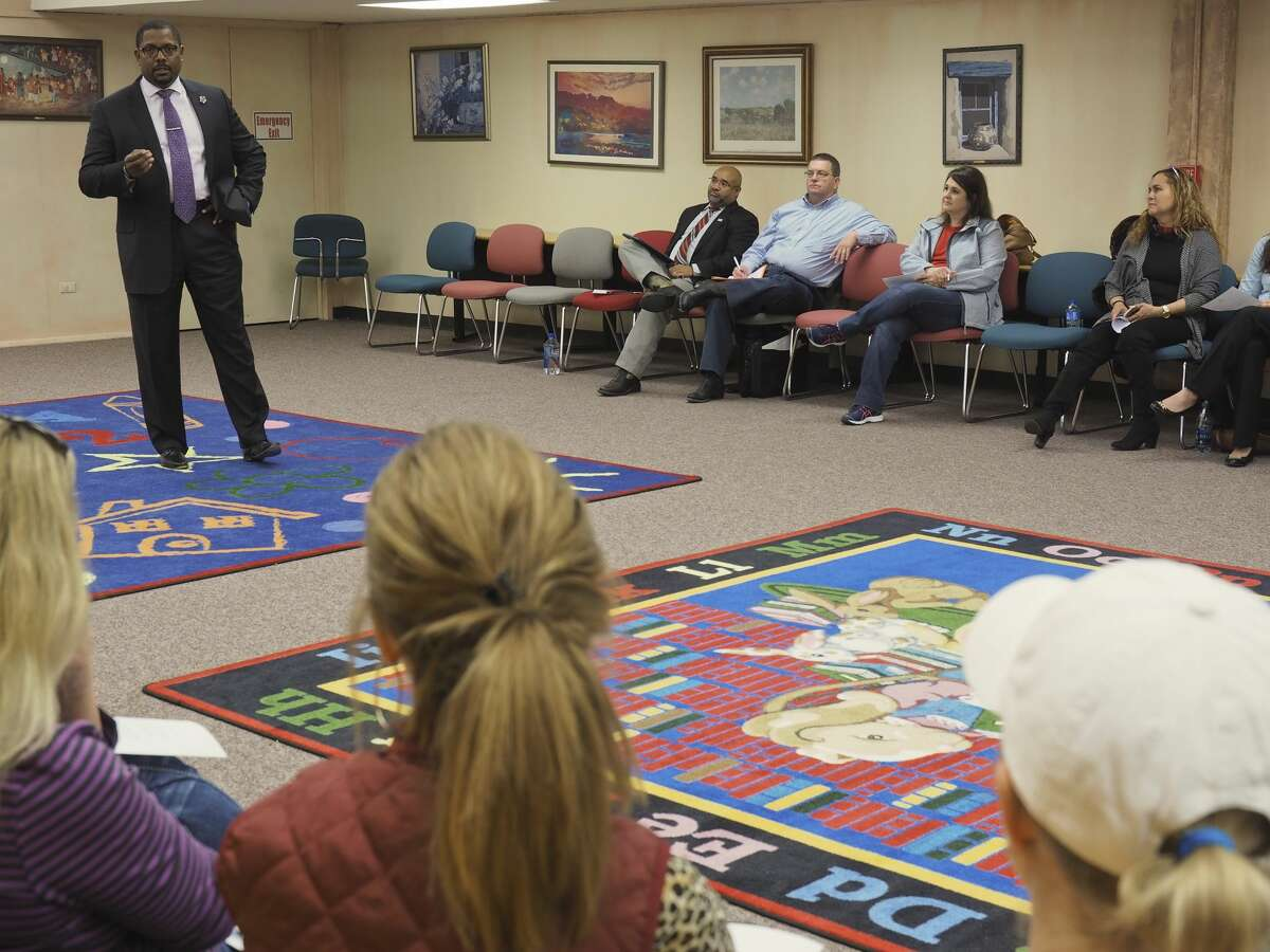 MISD Superintendent Orlando Riddick speaks 11/29/17 at the Gifted and Talented parents meeting at the downtown Library. Tim Fischer/Reporter-Telegram