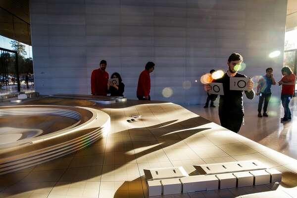 Apple's polished visitor center has a strange detachment