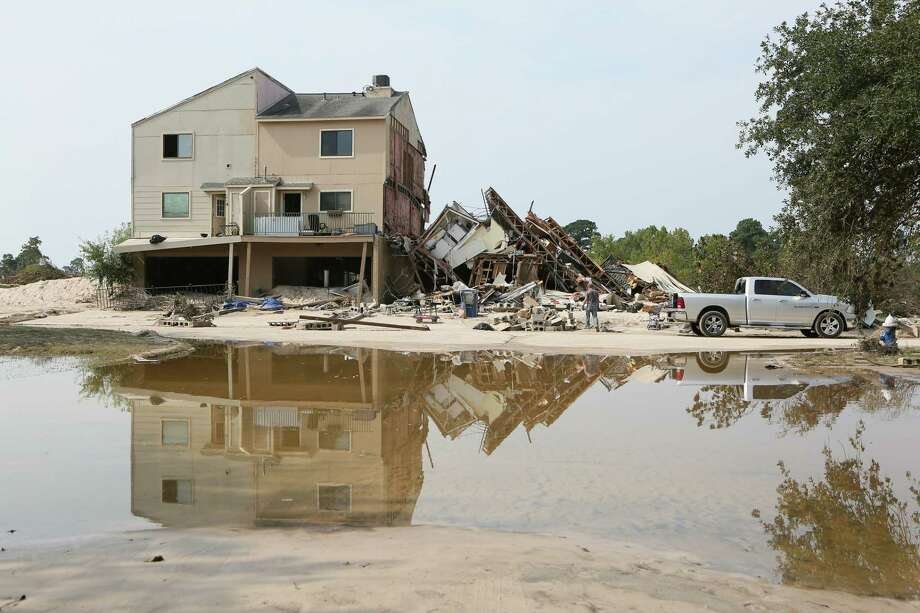 Riverview at Forest Cove complex on, Sunday , Aqua Vista Drive in Kingwood, TX, following flooding of the San Jacinto River caused by Tropical Storm Harvey. ( Scott Kingsley / Houston Chronicle ) Photo: Scott Kingsley / Houston Chronicle