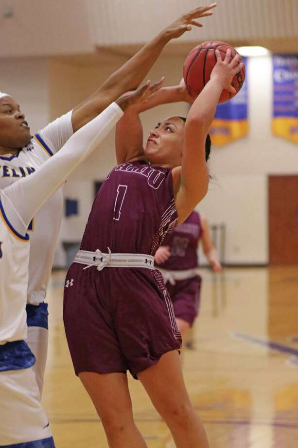 TAMIU guard Tantashea Giger ranks second in the Heartland Conference averaging 15.9 points per game this season. The Dustdevils host Arlington Baptist and Huston Tillotson over the next two days. Photo: Clara Sandoval / Laredo Morning Times File