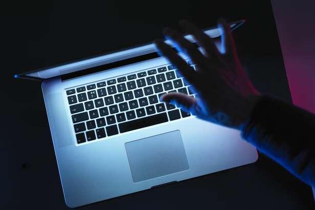 dear abby computer hand