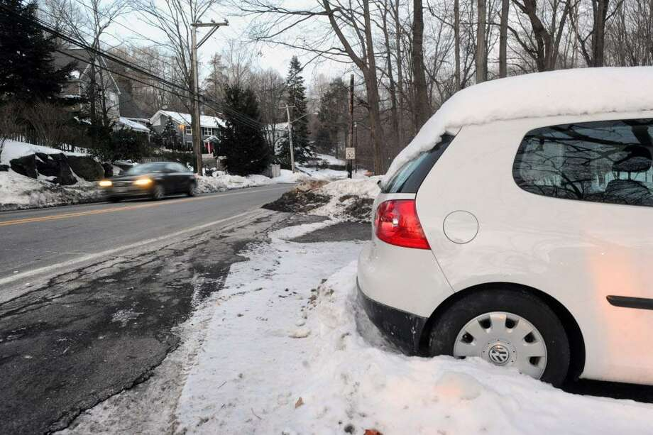 The winter weather parking ban runs through mid-April in Cromwell. Photo: File Photo / Greenwich Time