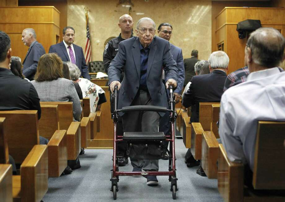 John Bernard Feit leaves the 92nd state District Court during a break in Feit's trial for the murder of Irene Garza Thursday, November 30, 2017, at the Hidalgo County Courthouse in Edinburg. Photo: Nathan Lambrecht | Nlambrecht@themonitor.com, MBO / AP / The Monitor