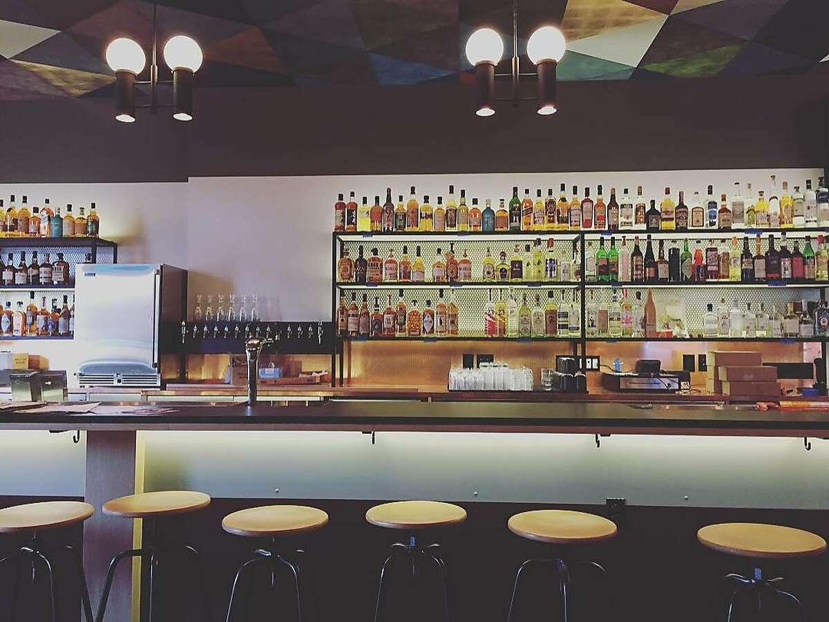 Junior, a new bar on 24th