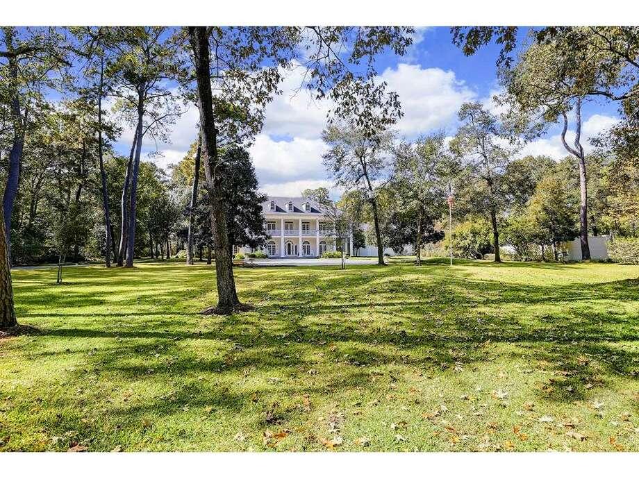 27 E. RivercrestList price: $6.295 million Photo: Houston Association Of Realtors