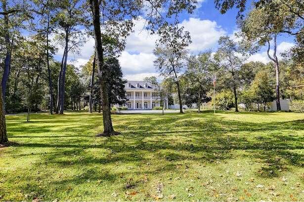 27 E. Rivercrest List price: $6.295 million