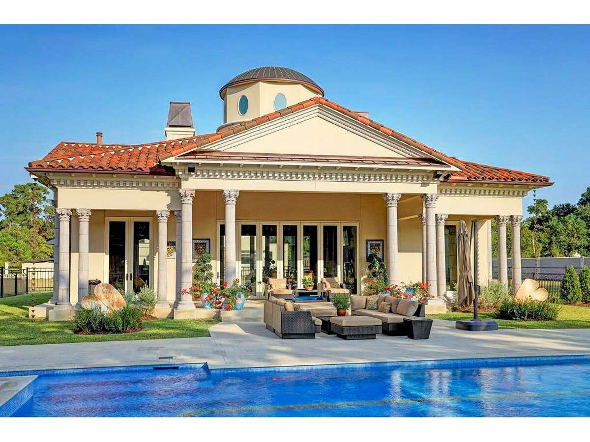 6 W. Rivercrest List price: $18.999 million
