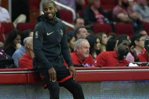 Houston Rockets guard Chris Paul (3) talks to the sideline during the third quarter of a NBA game against the New York Knicks at Toyota Center on Saturday, Nov. 25, 2017, in Houston.  ( Yi-Chin Lee / Houston Chronicle )