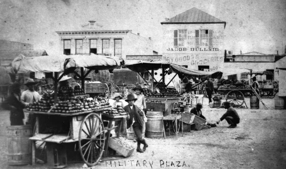 This photo of fruit vendors at stalls in Military Plaza is one of the most popular in the Raba Collection. It actually predates Raba's arrival in the city, though he was responsible for saving it for posterity. Photo: San Antonio Conservation Society / San Antonio Conservation Society
