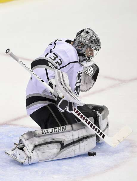 Kings goalie Jonathan Quick stopped 27 shots against the Capitals in Los Angeles' third consecutive victory. Photo: Nick Wass, Associated Press