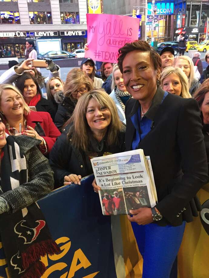 JNB Sales Representative, Sheila Cowan, visited New York City this week and presented Good Morning America's Robin Roberts with a copy of the Jasper Newsboy.