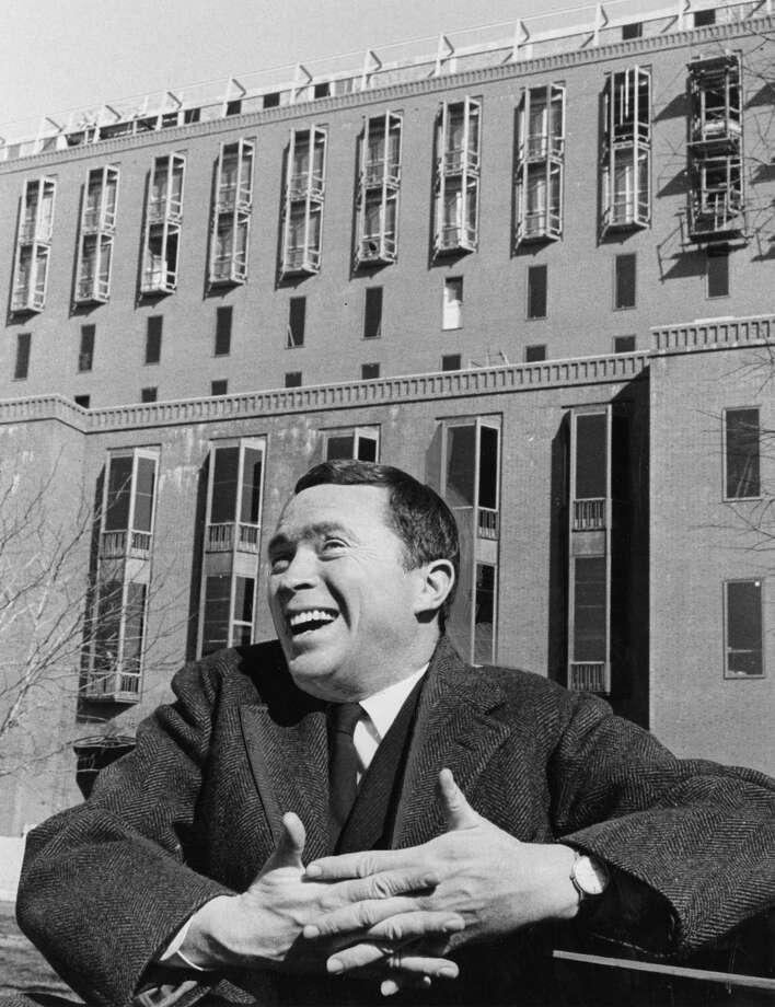 Vincent Scully, shown in 1966, began teaching at Yale University in 1947 and continued until 2009. Photo: Washington Post Photo By Harry Naltchayan / The Washington Post