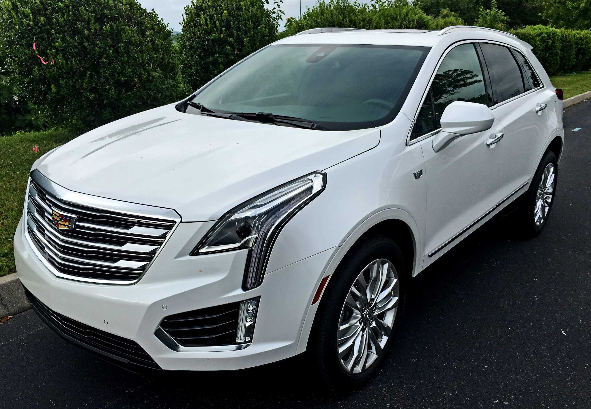 CADILLAC XT5: Midsize crossover comes with room for five, prices from $39,395