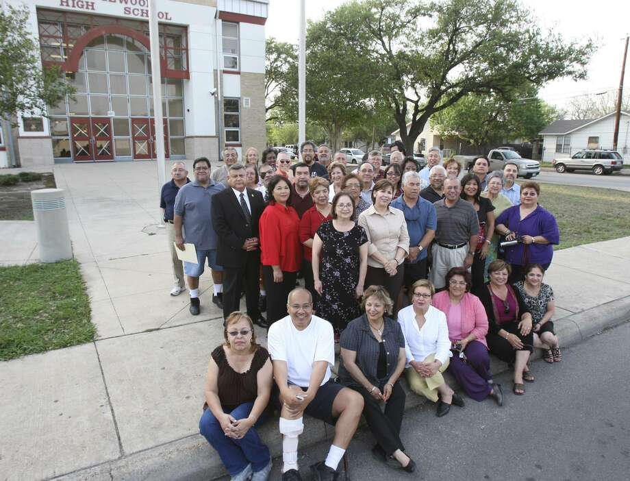 Former Edgewood High School students who were involved in the 1968 walkouts stand in front of what is now Edgewood Academy. They were marking the 40th anniversary of the 1968 student walkouts at Edgewood, Lanier, Kennedy and other San Antonio schools. The walkouts were triggered by inequities in funding and facilities. Photo: HELEN L. MONTOYA /EXPRESS-NEWS FILE PHOTO / SAN ANTONIO EXPRESS-NEWS
