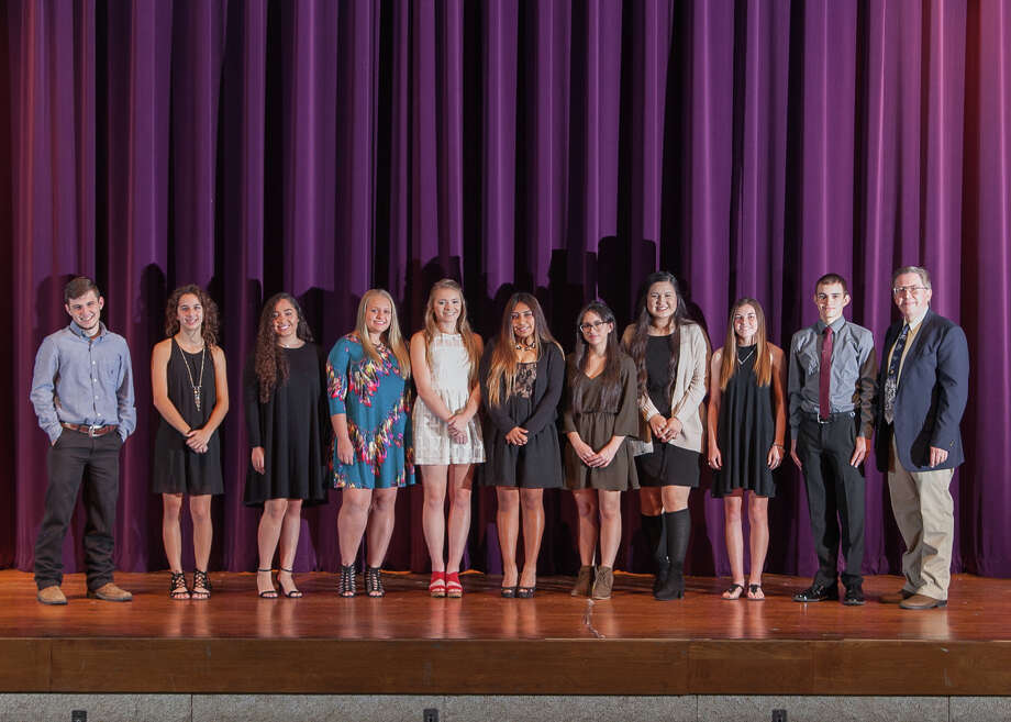 2017 Willis ISD junior and senior National Honor Society Inductees. Photo: Submitted Photo / Copyright Billy Ballard www.ballardpix.net
