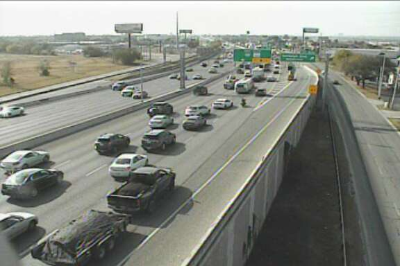 Several construction projects with major road closures around town are causing delays for weekend drivers. Traffic is slowing on the Northeast Side at I-35 and Thousand Oaks as multiple lanes of southbound I-35 are closed.