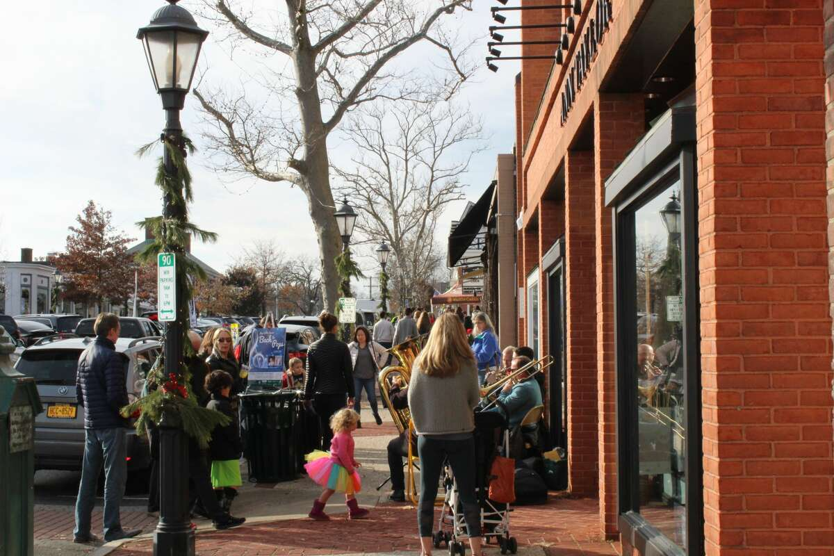 New Canaan's holiday stroll in 2017. Among new renters here is Sarah Tropeano, who grew up in New Canaan and moved back with her fiance after living in New York City for six years. Friends of Tropeano's have also moved from Manhattan to New Canaan.