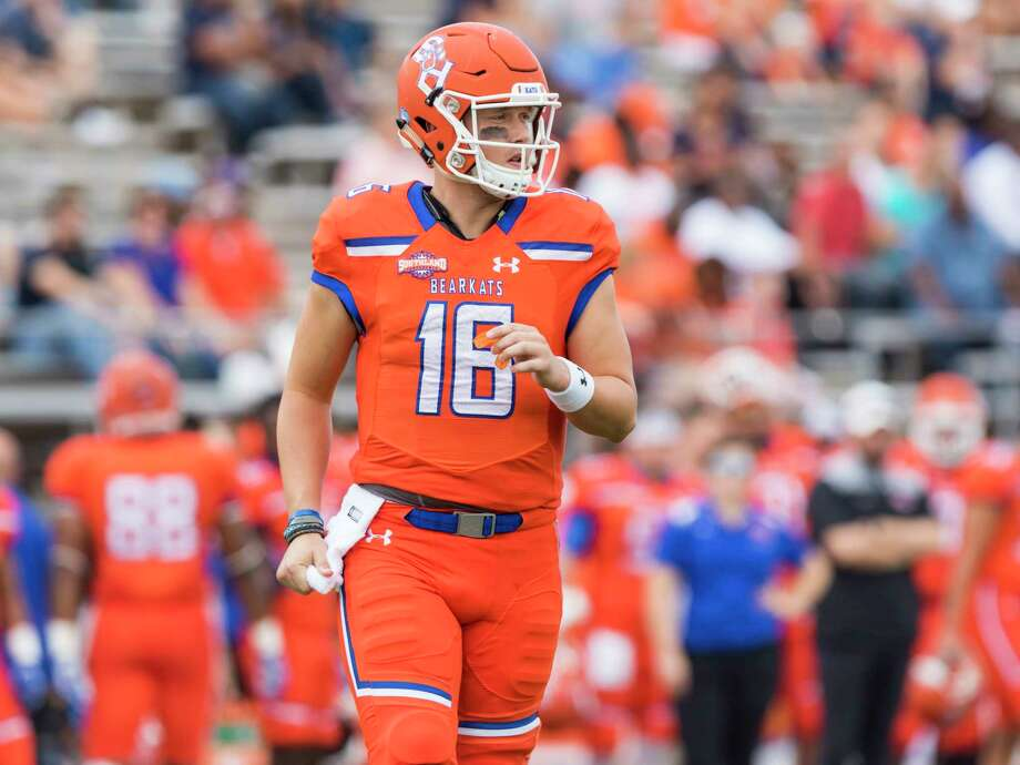 Sam Houston State's Jeremiah Briscoe comes onto the field for Sam Houston's first possession in the first half of an NCAA college football game Saturday, Nov. 4, 2017, in Huntsville, Texas. (AP Photo/Joe Buvid) Photo: Joe Buvid, FRE / Buvid Photography 2017